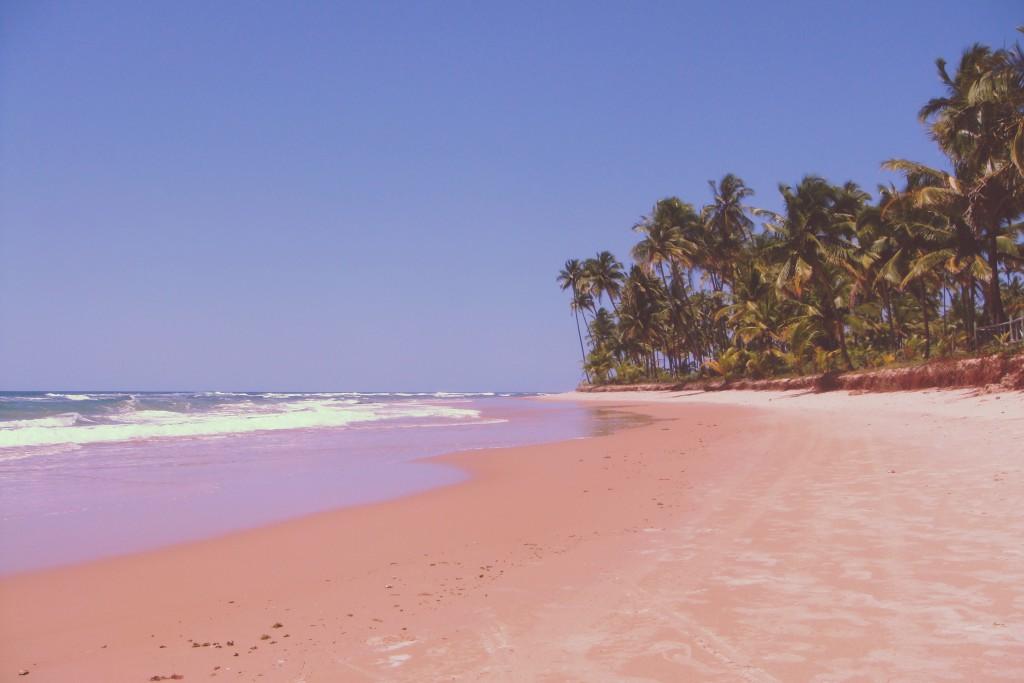 Praia lotada do Hotel Kiaroa _1977
