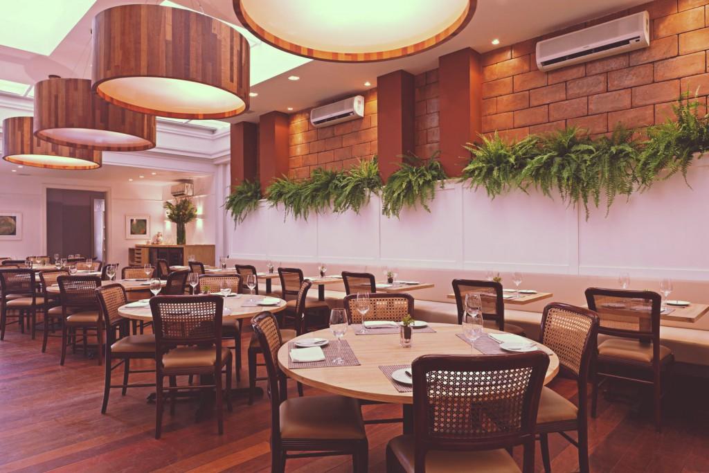 CASA-Vieira-Souto_ambiente-restaurante_foto-Rodrigo-Azevedo _1977