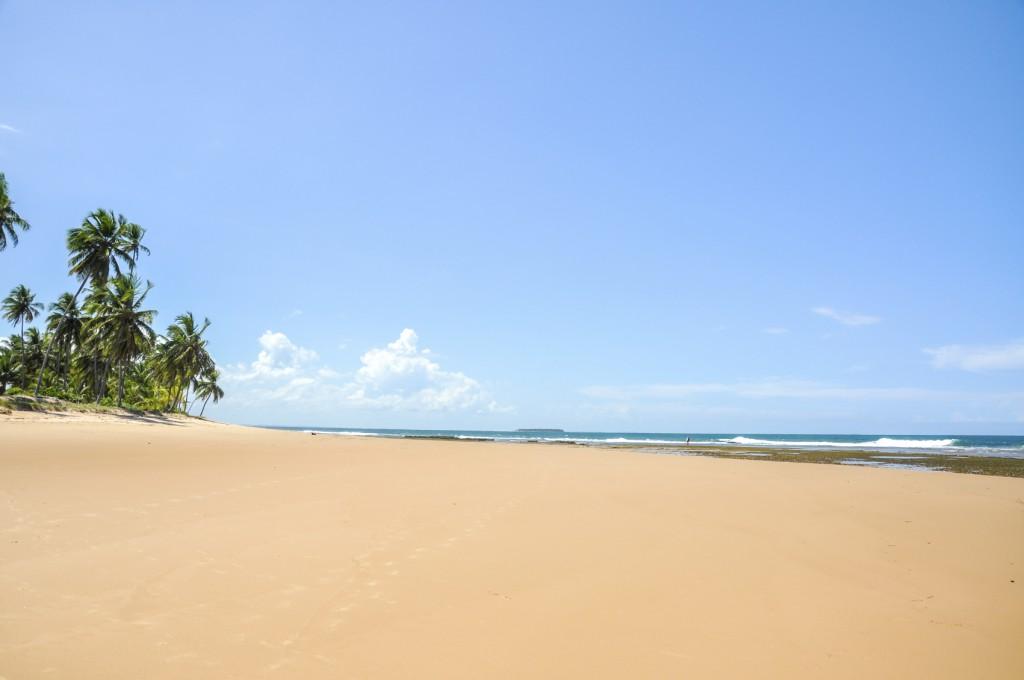 Praia deserta na Península de Maraú
