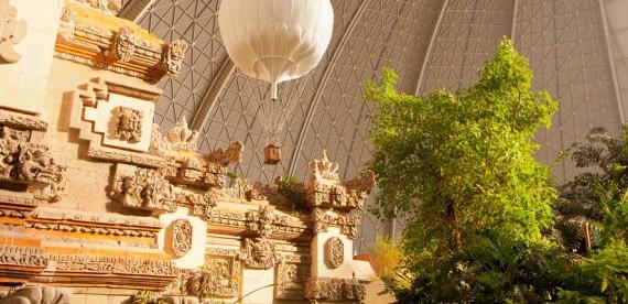 Tropical Island Resort – Parque aquático dentro de um antigo angar