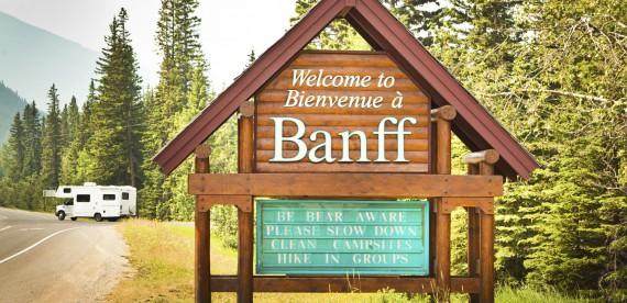 Conheça o Parque Nacional de Banff a cavalo