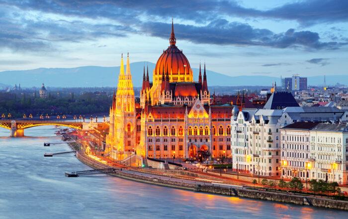 Parlamento na Hungria e o Rio Danúbio