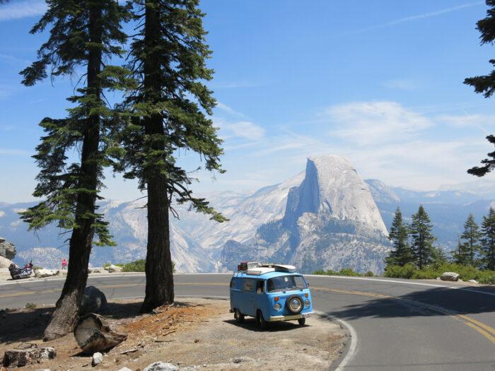 Estrada ao Yosemite National Park