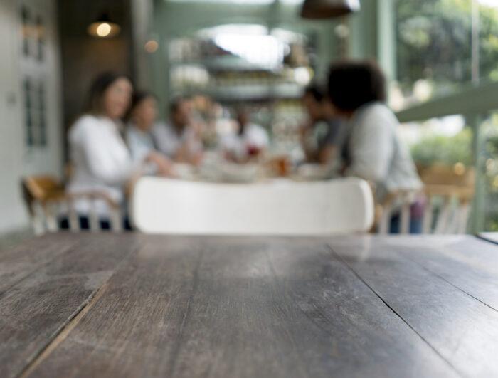 Mesa a sós para o restaurante
