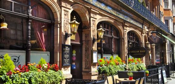 Conheça os 5 pubs mais originais da Inglaterra