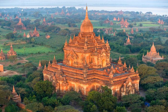 Templo Htilominlo, Bagan, Mianmar.