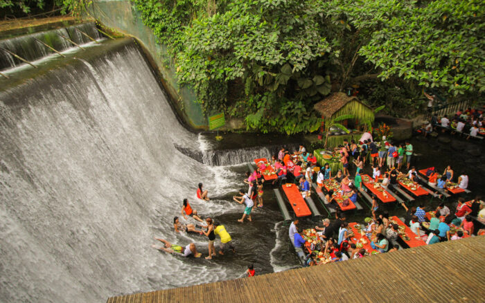 Waterfall Restaurant, Filipinas