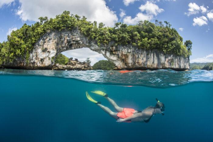 Snorkeling as ilhas rochosas