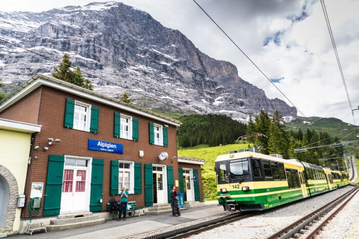 Alpiglen estação, Monte Eiger