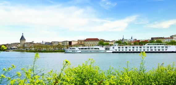 8 lugares para você conhecer viajando a bordo de um navio, yacht ou veleiro