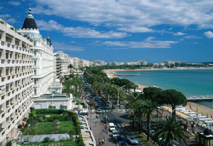 """<img src=""""boulevard -de-La -Croisette.jpg"""