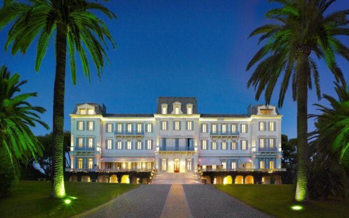 "<img src=""Hotel- du-Cap-Eden-Roc.jpg"
