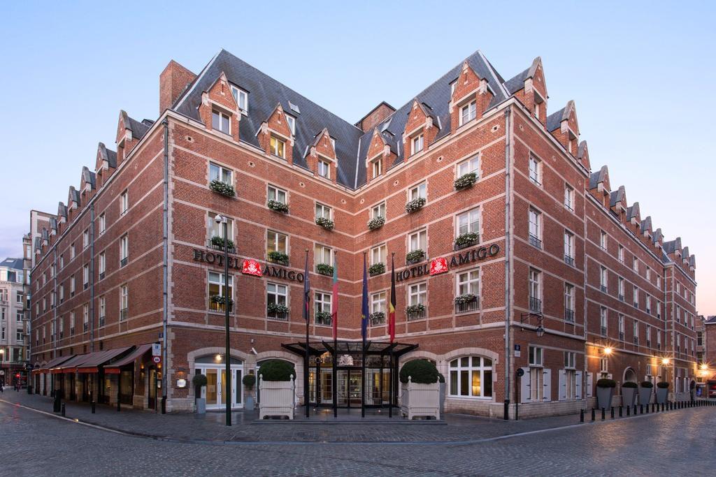 "<img src=""hotel-amigo-bruxelas.jpg"