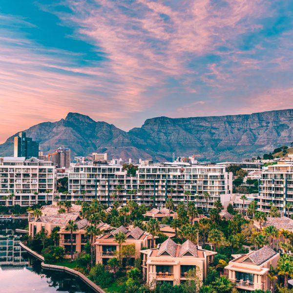 One & Only Cape Town fica no coração da cidade, com a Table Mountain como pano de fundo